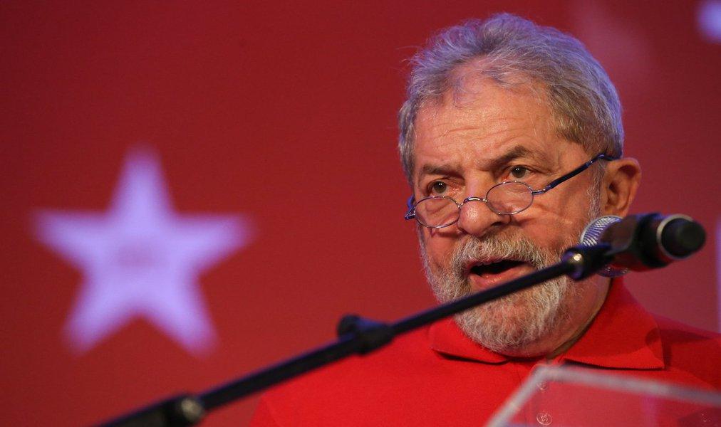 Brasília- DF 14-08-2015 Foto Lula Marques/Agência PT Ex-presidente Lula durante ato educação para todos.