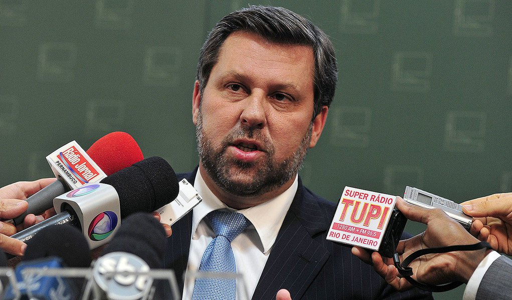 Brasília- DF- Brasil- 02/03/2015- O Lider do PSDB na Câmara dep. Carlos Sampaio (PSDB-SP), fala sobre a CPI da Petrobras. Foto: Luis Macedo/ Câmara dos Deputados