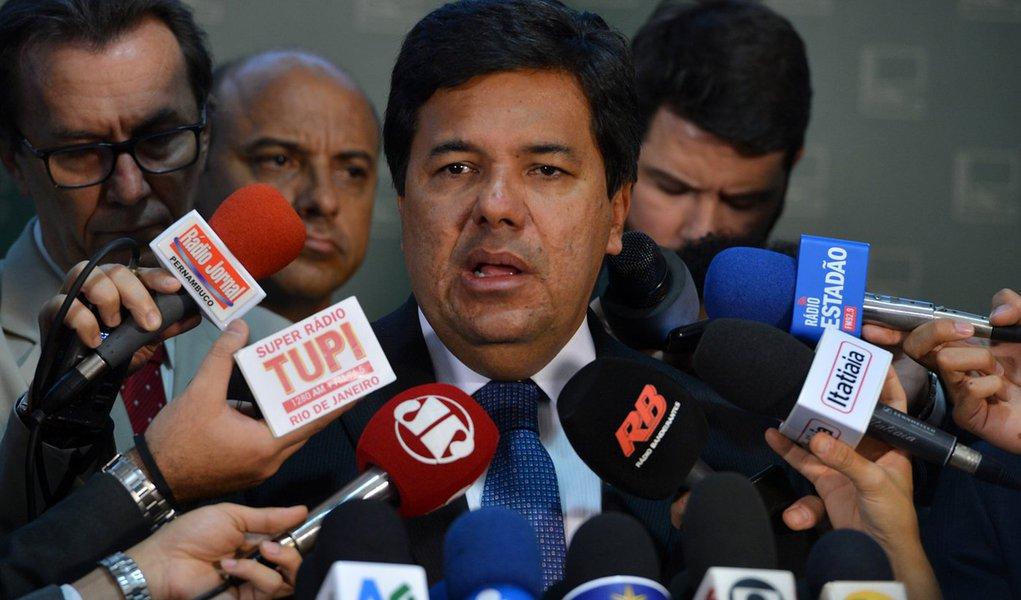 O líder do Democratas na Câmara, Mendonça Filho, durante entrevista (Valter Campanato/Agência Brasil)