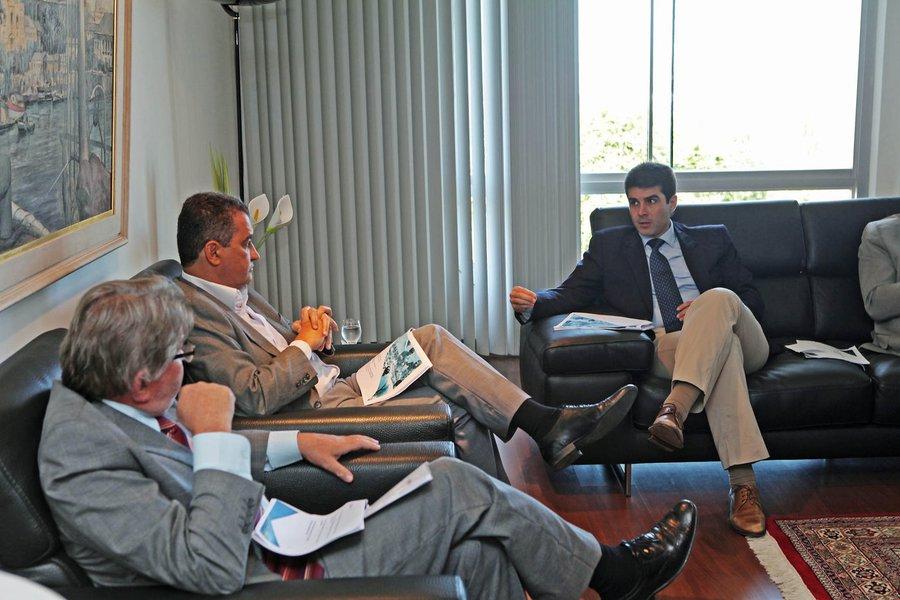 Governador Rui Costa se re�ne com Helder Barbalho, ministro de Pesca e Aquicultura    Foto: Carol Garcia/GOVBA