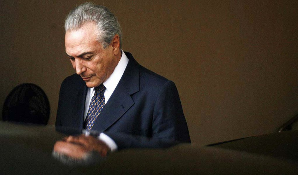 Brazil's Vice-President-elect Michel Temer leaves the President-elect Dilma Rousseff's house in Brasilia November 3, 2010. REUTERS/Ueslei Marcelino (BRAZIL - Tags: POLITICS ELECTIONS)
