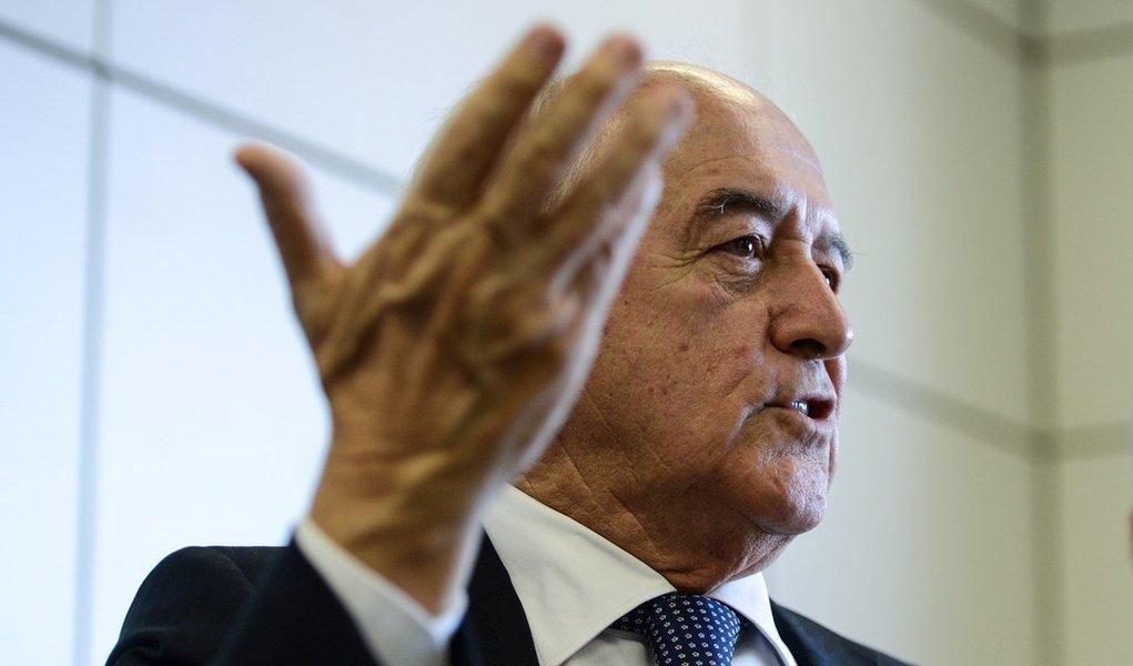 O ministro do Trabalho e Emprego, Manoel Dias, divulga os dados do Cadastro Geral de Empregados e Desempregados (Caged), relativos ao mês de março 2014 (Fabio Rodrigues Pozzebom/Agência Brasil)