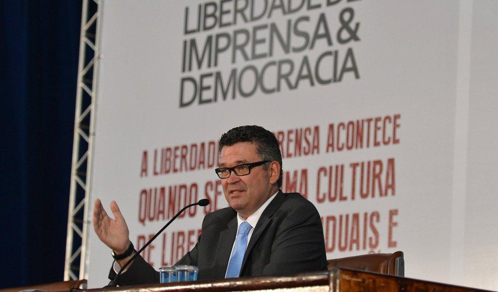 O diretor Geral da EBC, Américo Martins participa do 7º Fórum Liberdade de Imprensa & Democracia, realizado pela revista Imprensa (Antonio Cruz/Agência Brasil)