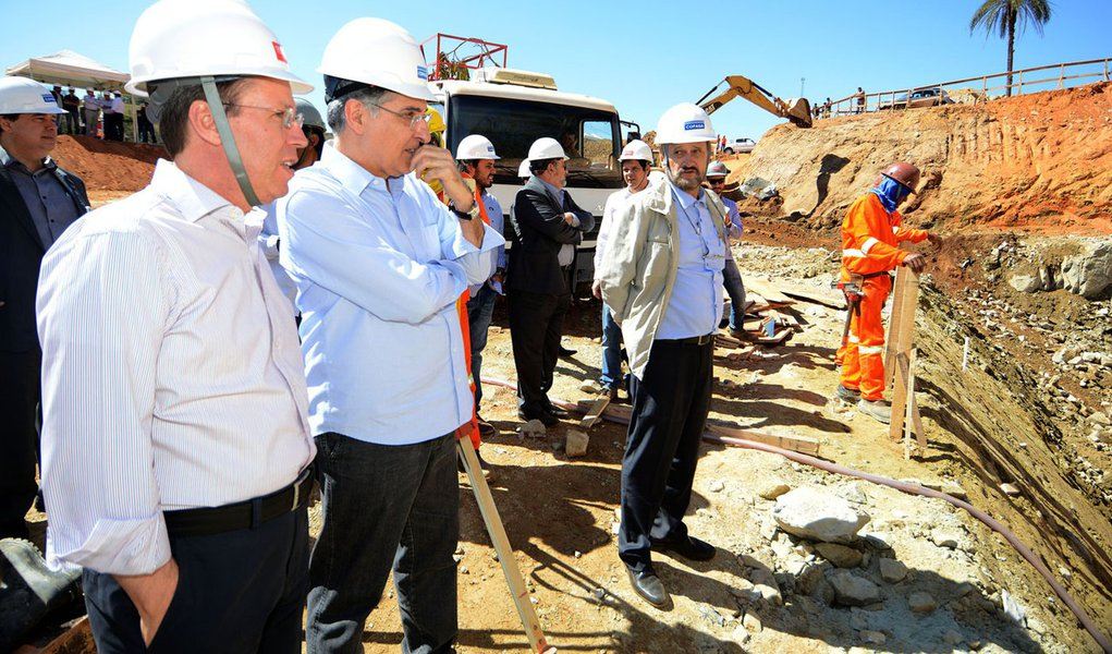 Governador Fernando Pimentel visita obras para captação de água do Rio Paraopeba, para o sistema Rio Manso. 12-08-2015- Brumadinho. Foto: Manoel Marques/imprensa-MG