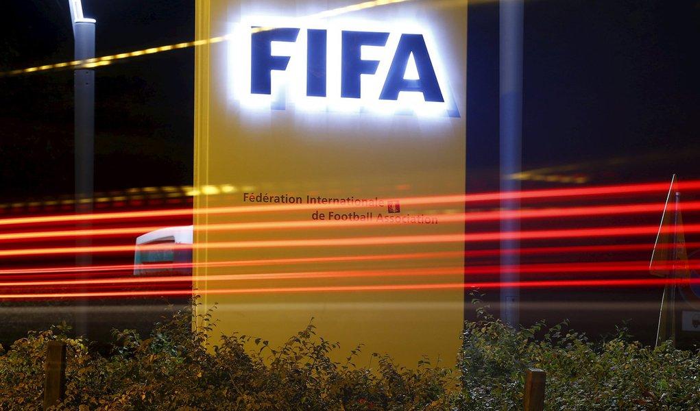 Logo da Fifa visto na sede, em Zurique. 07/10/2015 REUTERS/Arnd Wiegmann