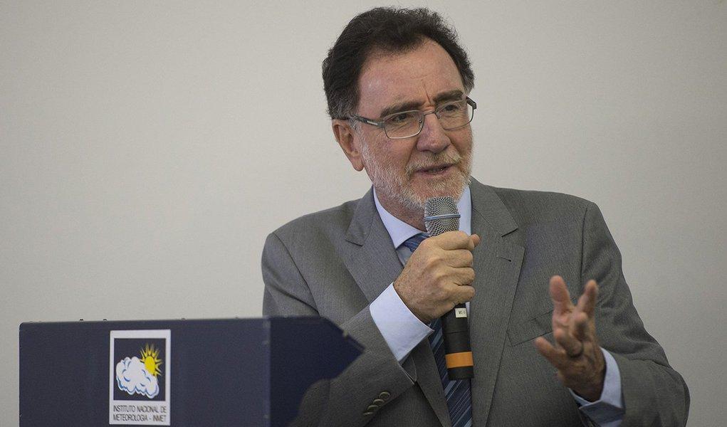 O ministro do Desenvolvimento Agrário, Patrus Ananias, durante divulgação do relatório Perspectivas Agrícolas: desafios para a agricultura brasileira 2015-2024 pela FAO e OCDE (Marcelo Camargo/Agência Brasil)