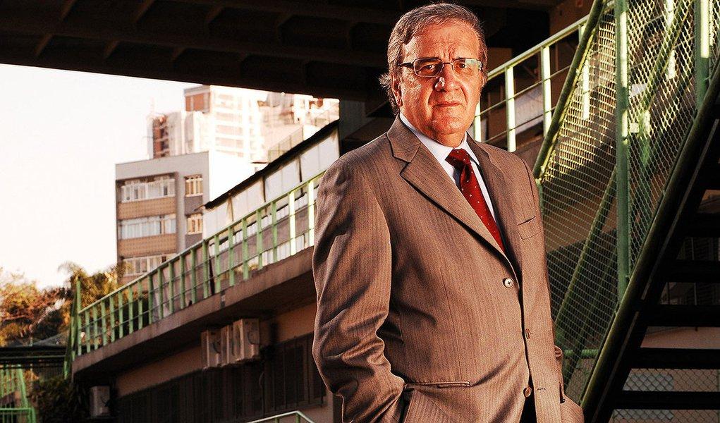 Data da foto: 08/2009 Luiz Gonzaga Belluzzo, economista e presidente do Palmeiras.