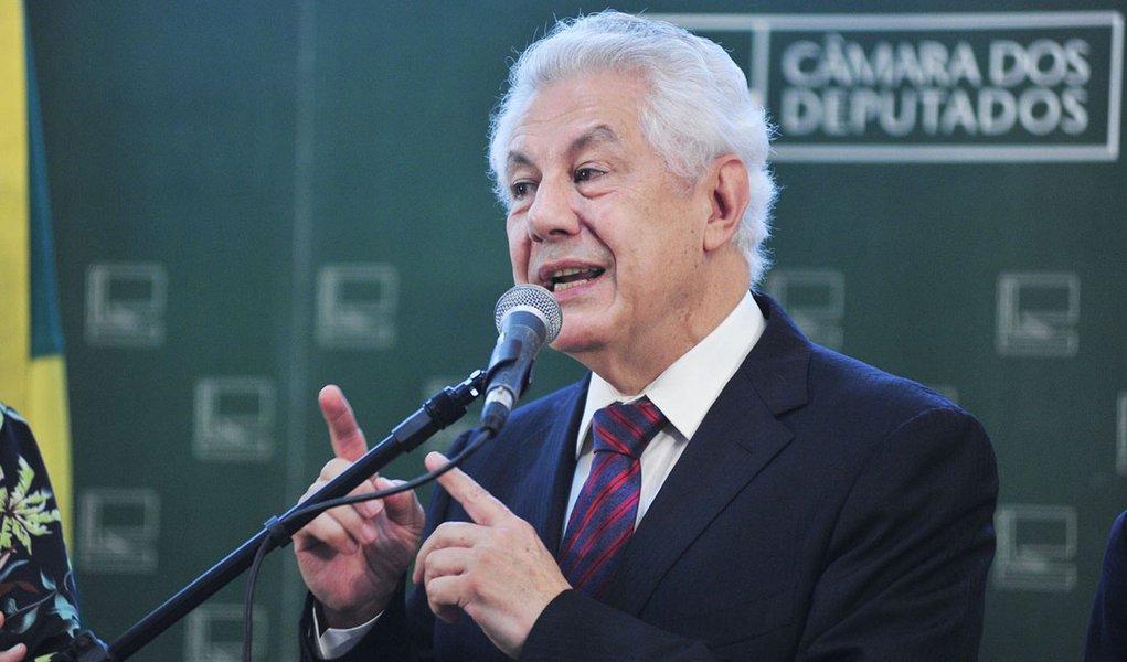 17/12/2014- Brasília- DF, Brasil- Lançamento da candidatura do deputado Arlindo Chinaglia à presidência da Câmara. Foto: Zeca Ribeiro/ Câmara dos Deputados