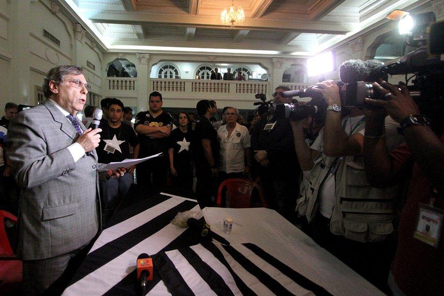 Eleicao Presidencial em General Severiano. 25 de novembro de 2014, Rio de Janeiro, RJ, Brasil. Foto: Vitor Silva/SSPress.