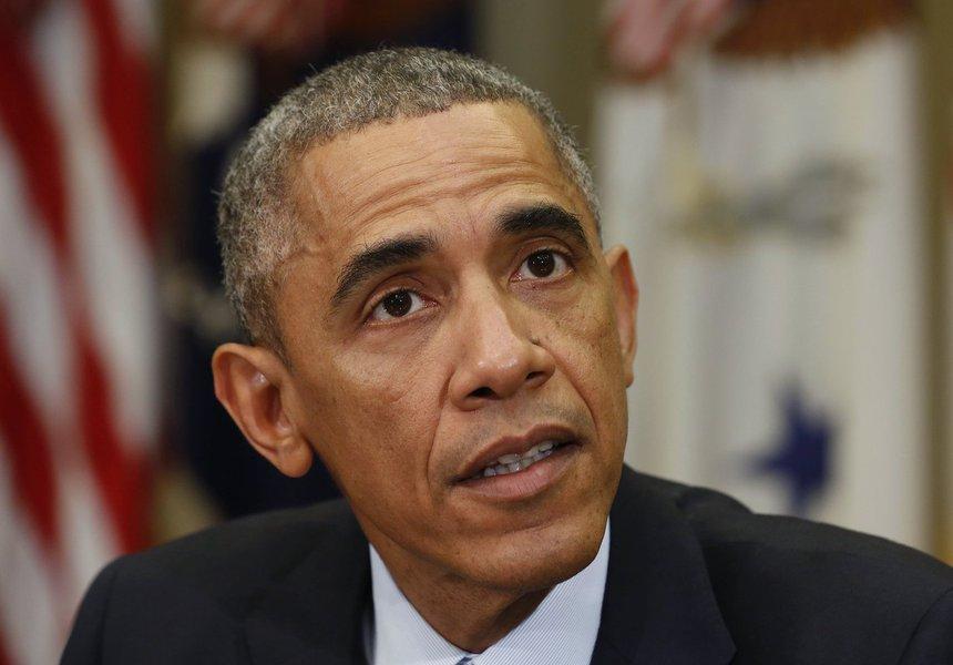 Presidente Barack Obama durante reunião na Casa Branca, em 18 de novembro.       REUTERS/Larry Downing