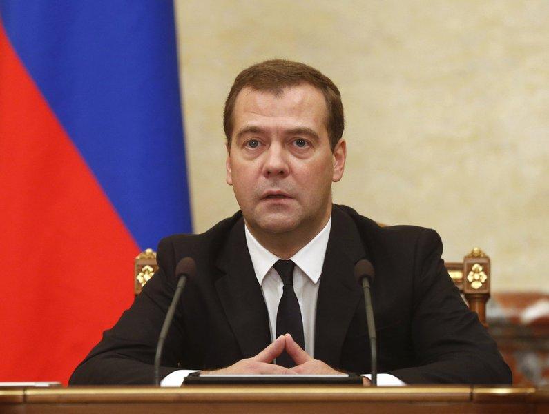Primeiro-ministro russo Medvedev comanda reunião do governo em Moscou. 07/08/2014 REUTERS/Dmitry Astakhov/RIA Novosti/Pool