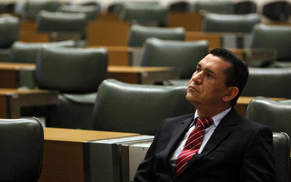 RF6905 - S�O PAULO - SP - 05/06/2013 - ESPECIAL DOMINICAL - POLITICA - DEPUTADO LUIZ MOURA - Deputado estadual pelo Partido dos Trabalhadores (PT) Luiz Moura Pereira, eleito com 104.705 votos e atua nas �reas dos Transportes, Esportes, movimentos Sociais