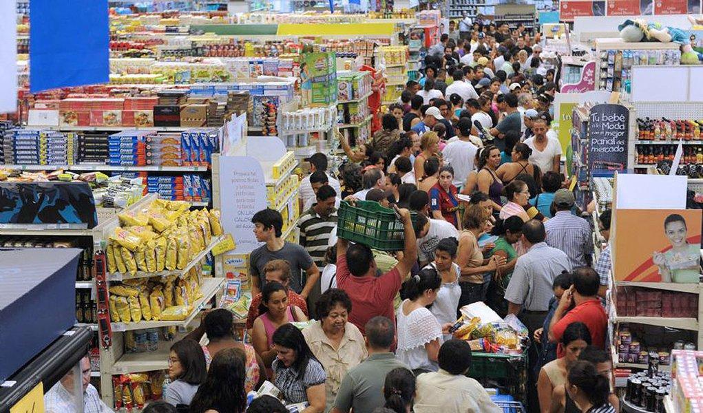 Hondurenhos lotaram supermercados durante suspensão do toque de recolher