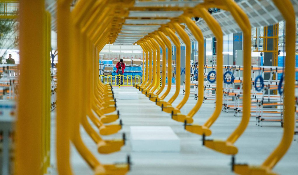 A atividade da indústria brasileira voltou a mostrar expansão em agosto após quatro meses de contração, favorecida pelo aumento da produção com o fim da Copa do Mundo e pela atividade de compras, de acordo com o PMI. 28/06/2014 REUTERS/Roosevelt Ca