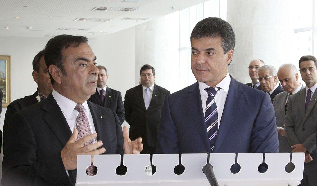 Governador Beto Richa e o presidente da Aliança Renault-Nissan, Carlos Ghosn, apresentam novos investimentos da Renault no Paraná. Curitiba, 17/04/2014. Foto: José Gomercindo/ANPr