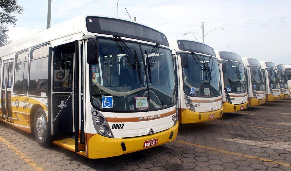 Porto Alegre - RS, 31.05.2008  Novos ônibus da Carris  Fotos: Ivo Gonçalves/PMPA    Fotos de Divulgação  Assessoria de Comunicação  Prefeitura de Porto Alegre