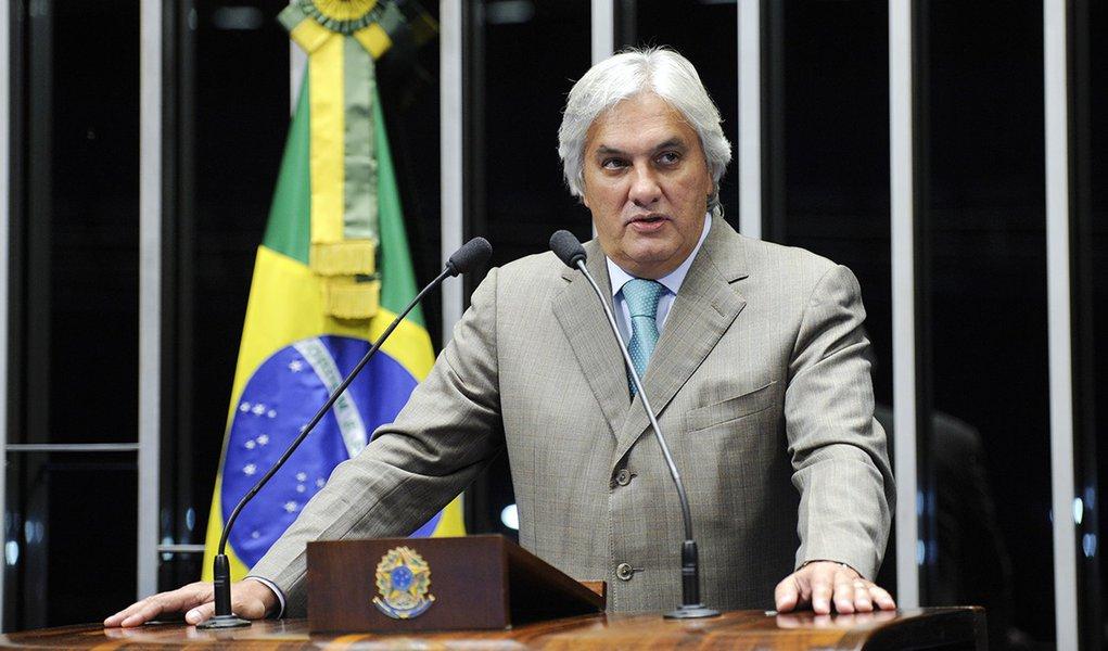 Senador Delcídio do Amaral (PT-MS) afirma que o Brasil não corre nenhum risco de racionamento de energia elétrica