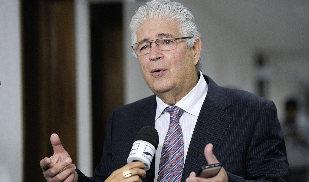 Senador Roberto Requião (PMDB-PR) concede entrevista