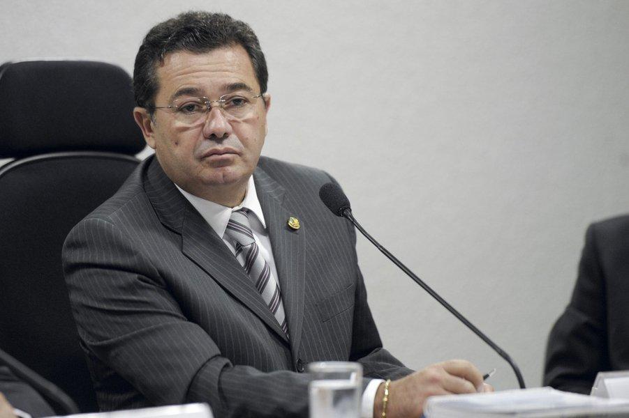 O presidente da CCJ, senador Vital do Rêgo (PMDB-PB) conduz audiência pública para instruir a votação do projeto de reforma do Código Penal (PLS 236/2012)