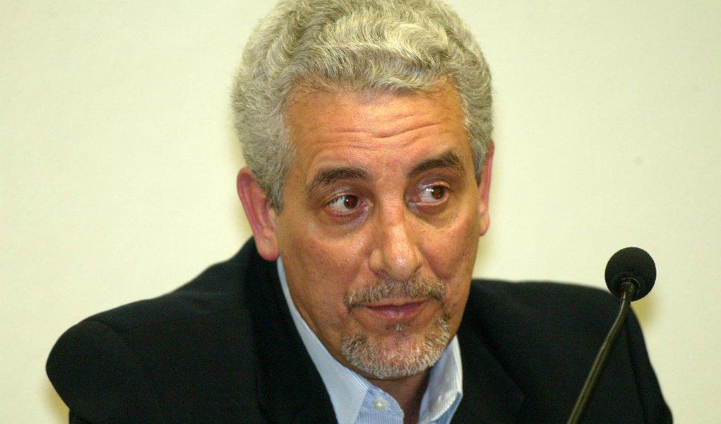 Brasilia DF, Agosto 18: Depoimento do ex presidente do  Banco do Brasil, Henrique Pizzolato, a CPI dos Correios. (Foto: Caio Guatelli/Folha Imagem)