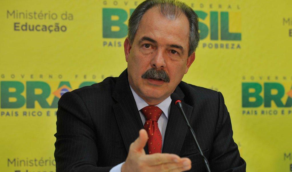 Brasília – O ministro da Educação, Aloizio Mercadante, em entrevista coletiva, faz balanço do Sistema de Seleção Unificada (Sisu)