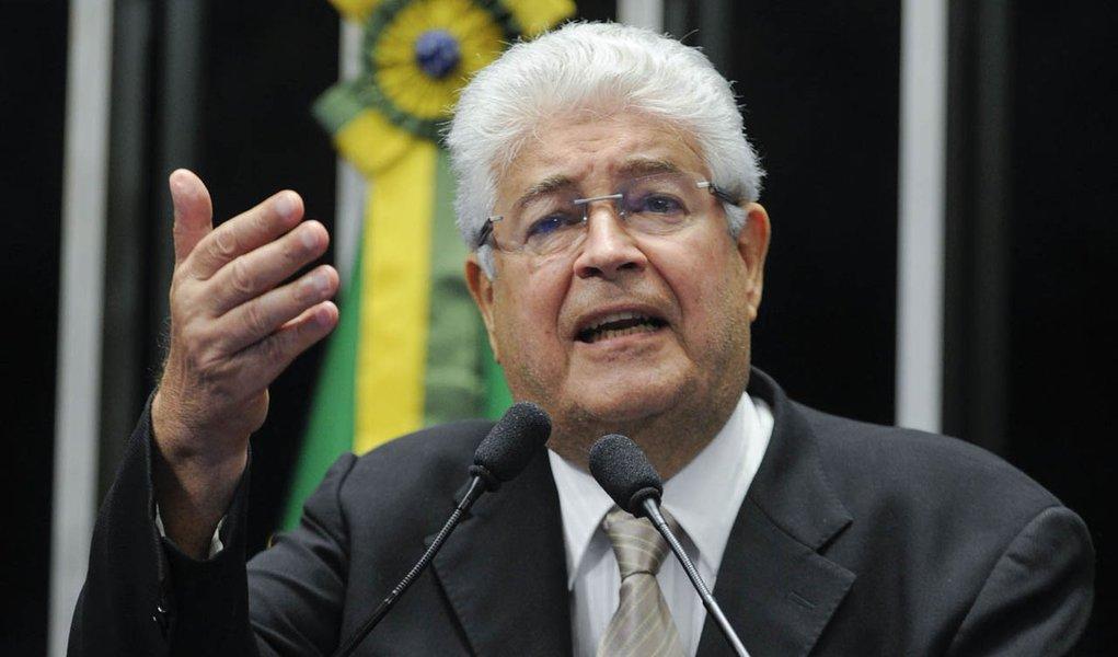 Senador Roberto Requião (PMDB-PR) pede votação do projeto que facilita o pagamento das dívidas de estados e municípios com a União (PLC 99/13)