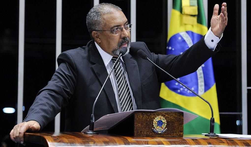 Senador Paulo Paim (PT-RS) relata indignação das famílias das vítimas com lentidão do processo da Boate Kiss