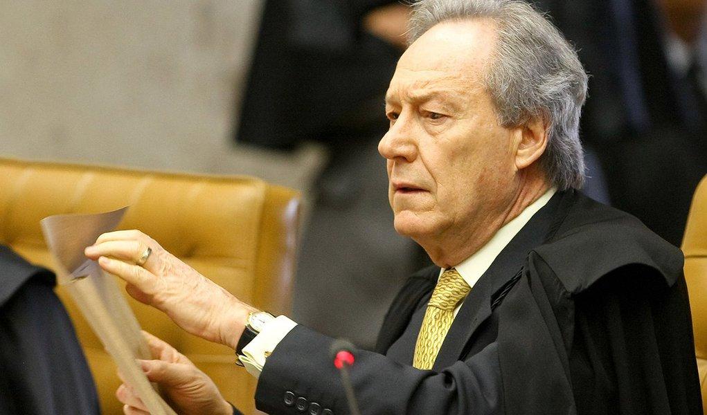 BRASÍLIA, DF, 05.09.2013: STF/MENSALÃO/DF - Ricardo Lewandowski   -  Sessão do STF  (Supremo Tribunal Federal), nesta quinta-feira (5), referente ao julgamento dos embargos de declaração dos condenados na Ação Penal 470 (Mensalão), em Brasília.   (Foto: P