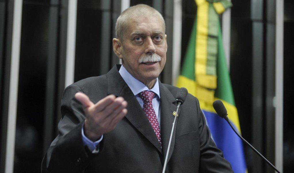 Senador João Ribeiro (PR-TO) declara apoio à medida provisória que cria o Programa Mais Médicos (MP 621/13)