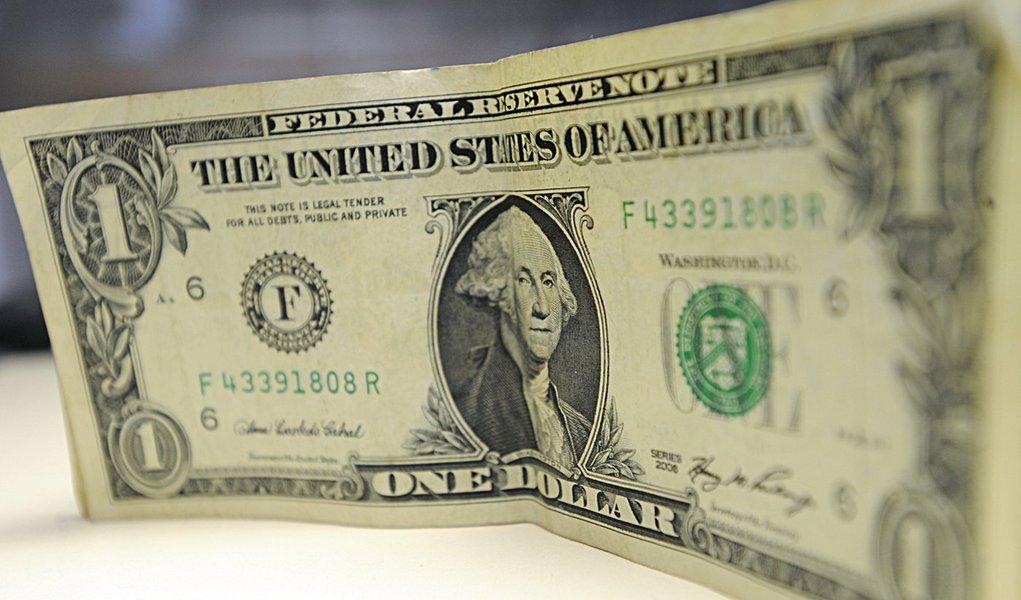 Brasília - Aumentam gastos de brasileiros em viagens internacionais. Segundo o Banco Central, os gastos de brasileiros no exterior chegaram, em agosto, a US$ 1,923 bilhão, maior do que o resultado de igual mês do ano passado (US$ 1,913 bilhão)