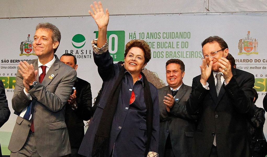 São Bernardo do Campo - SP, 28/05/2014. Presidenta Dilma Rousseff durante cerimônia de comemoração dos 10 anos do Programa Brasil Sorridente e de inauguração de 5 Centros de Especialidades Odontológicas. Foto: Roberto Stuckert Filho/PR