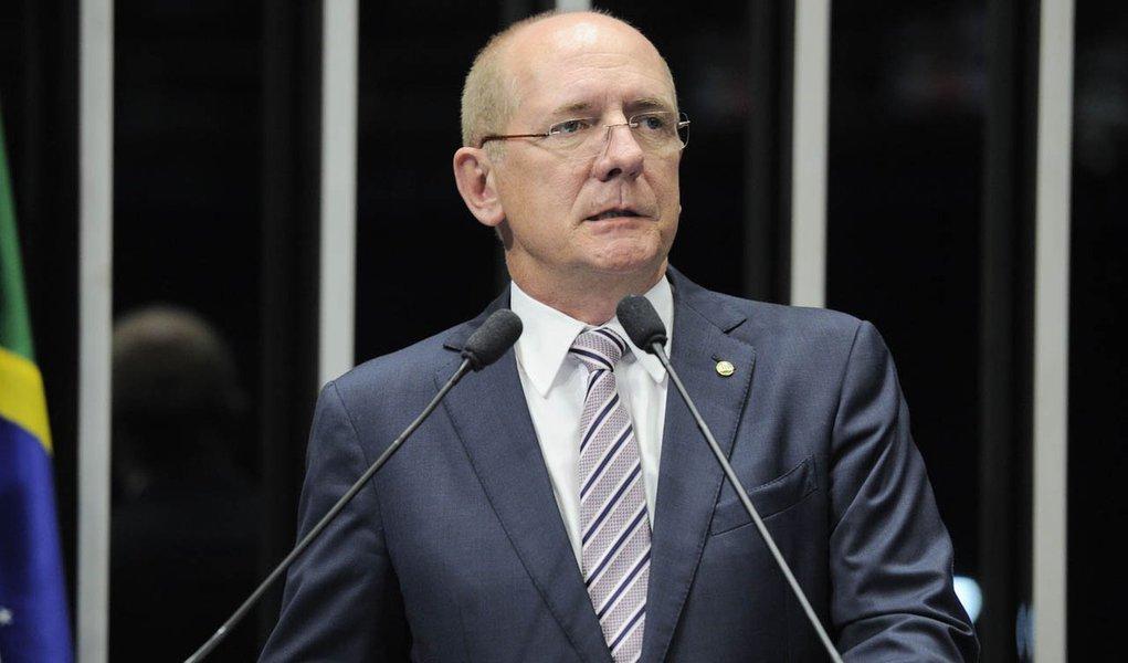 Em discurso na tribuna do Senado, senador Paulo Bauer (PSDB-SC)