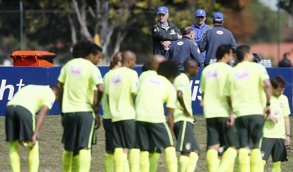 Treino da Seleção Brasileira na Granja Comary, em preparação para Copa do Mundo, dia 01 de junho de 2014. Foto: Rafael Ribeiro