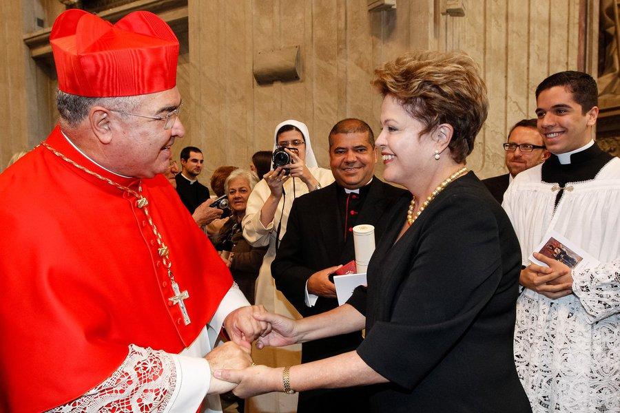 Roma - Itália, 22/02/2014. Presidenta Dilma Rousseff cumprimenta o Cardeal Dom Orani Tempesta durante celebração do Consistório para a criação de novos Cardeais. Foto: Roberto Stuckert Filho/PR