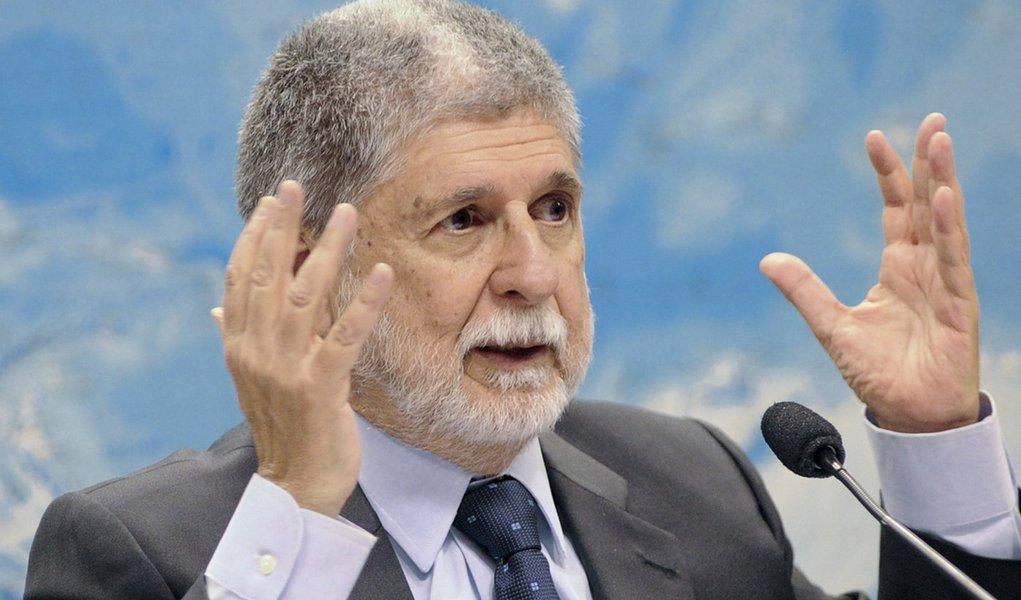 """""""Todo mundo olha hoje e pergunta: onde está o Brasil?"""", diz Celso Amorim"""