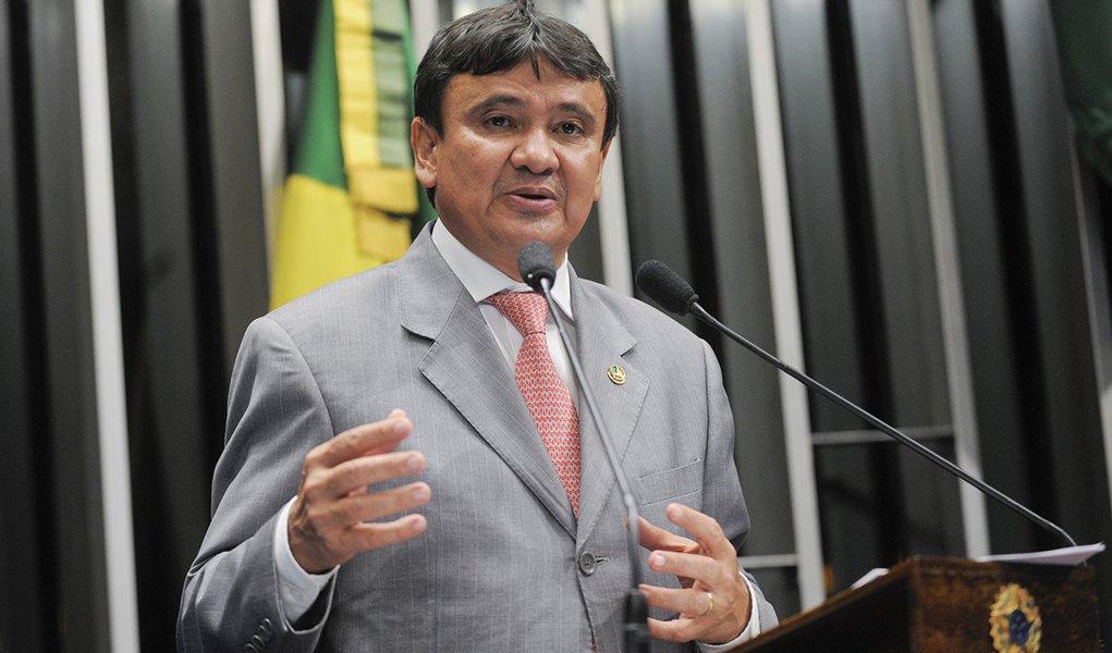 DATA AZ: Wellington Dias lidera em Parnaíba