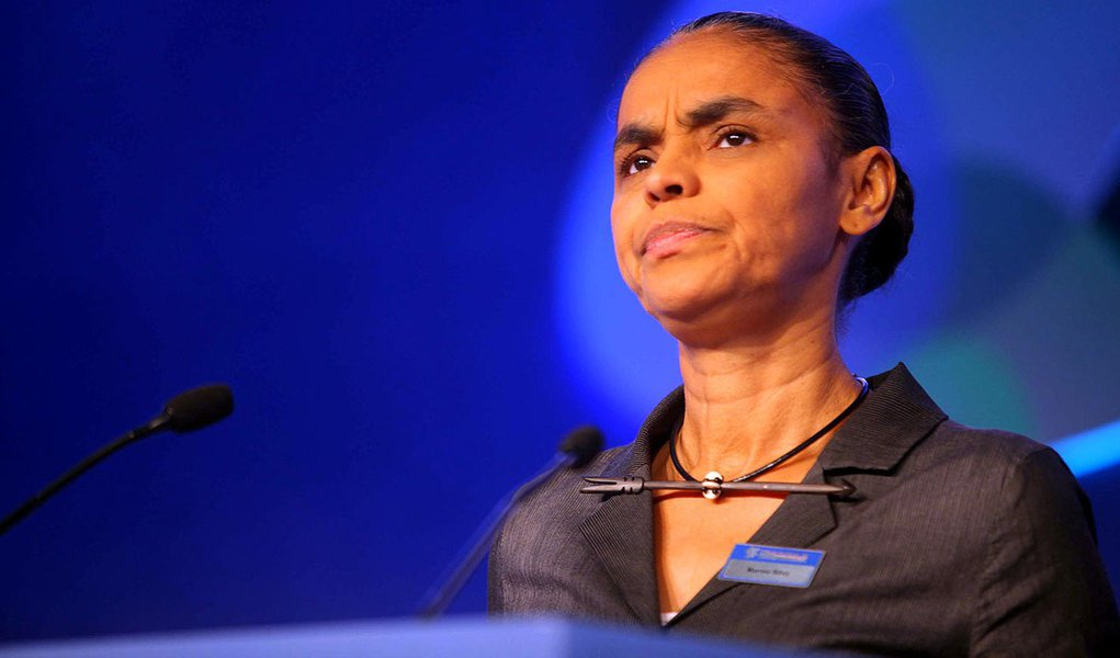 Marina critica 'manipulação' política da causa indígena