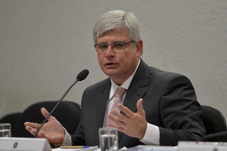 A Comissão de Constituição e Justiça do Senado sabatina o procurador da República Rodrigo Janot, indicado para o cargo de procurador-geral da República.
