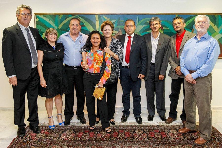 Dilma recebe em março comissão das centrais sindicais