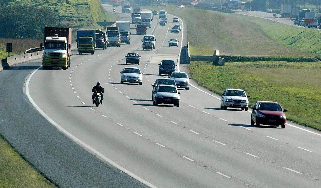 km 27 da rodovia dos bandeirantes, pista sul as 09:45 h. dos dia 30 de junho de 2005.