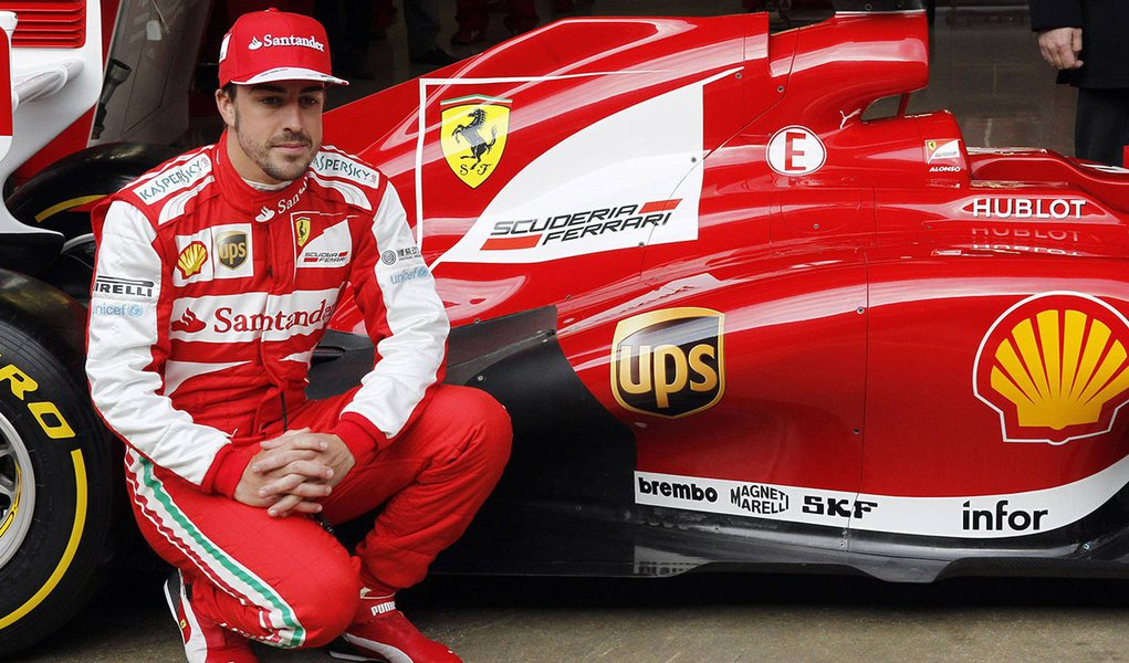 Alonso comemora primeiro pódio da Ferrari