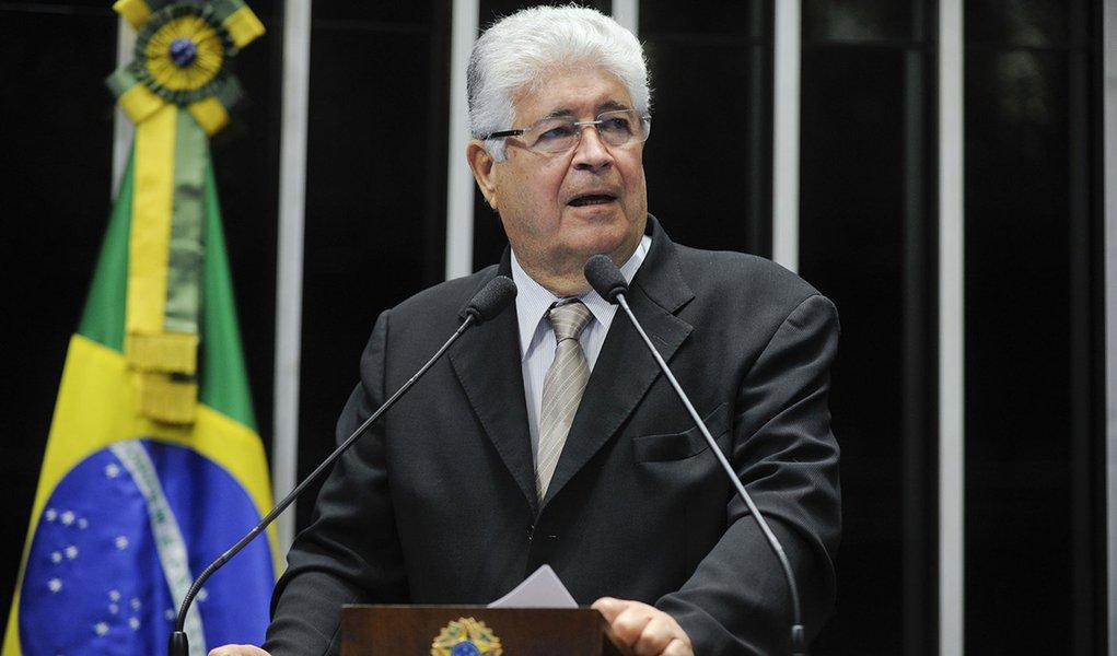 Senador Roberto Requião (PMDB-PR) critica pressão do governo para a não instalação da comissão parlamentar de inquérito que investigará o transporte público