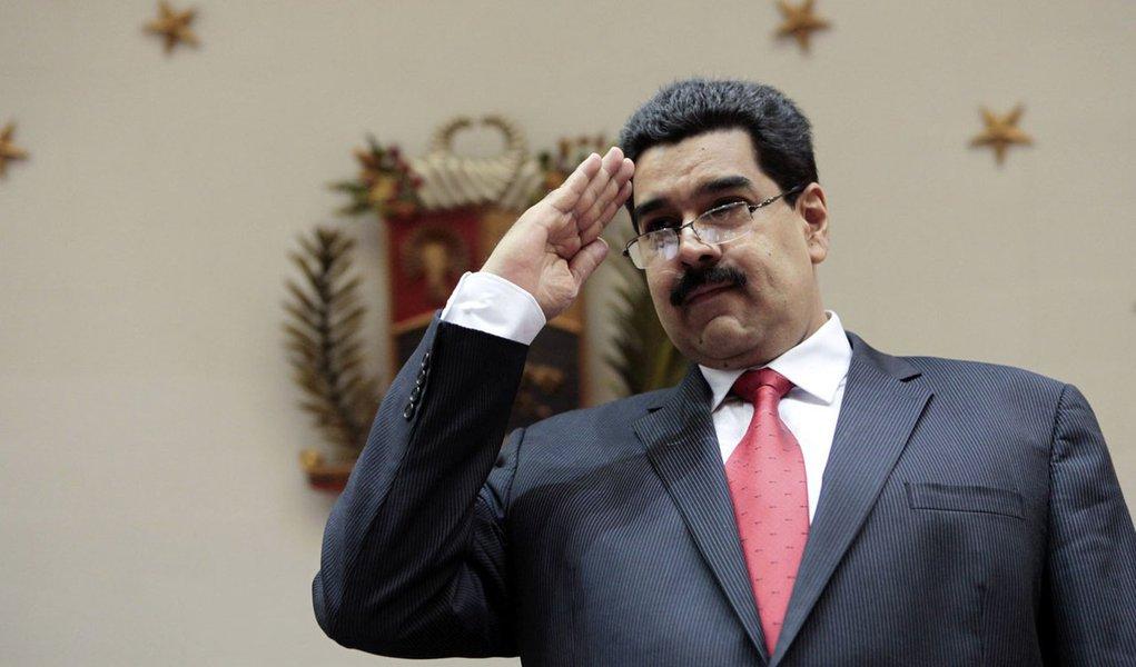 """Maduro exalta """"potência"""" de suas forças armadas"""