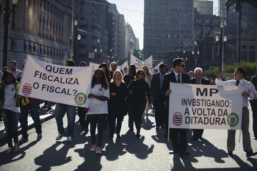 Após protesto, delegados e MP-SP acertam reuniões