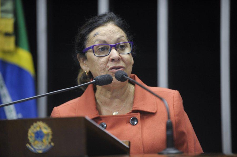 Senadora Lídice da Mata (PSB-BA) comemora a decisão do Instituto do Patrimônio Histórico e Artístico Nacional (IPHAN), de tombar o Teatro Castro Alves e o terreiro de candomblé Ilê Axé Oxumaré, ambos em Salvador