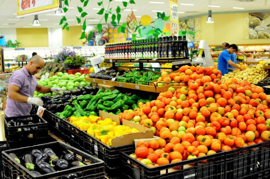 Inflação oficial ultrapassa teto da meta em 12 meses