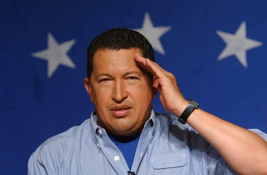 """Chávez tem insuficiência respiratória por """"severa infecção"""""""