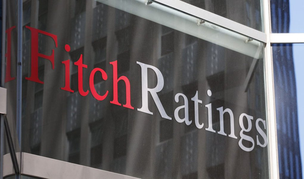 The Fitch Ratings building is seen in New York in this May 7, 2010 file photograph.  Fitch Ratings on  August 16, 2011 confirmed the United States' top-notch credit rating and, in blatant disagreement with rival Standard & Poor's, gave a vote of confidenc