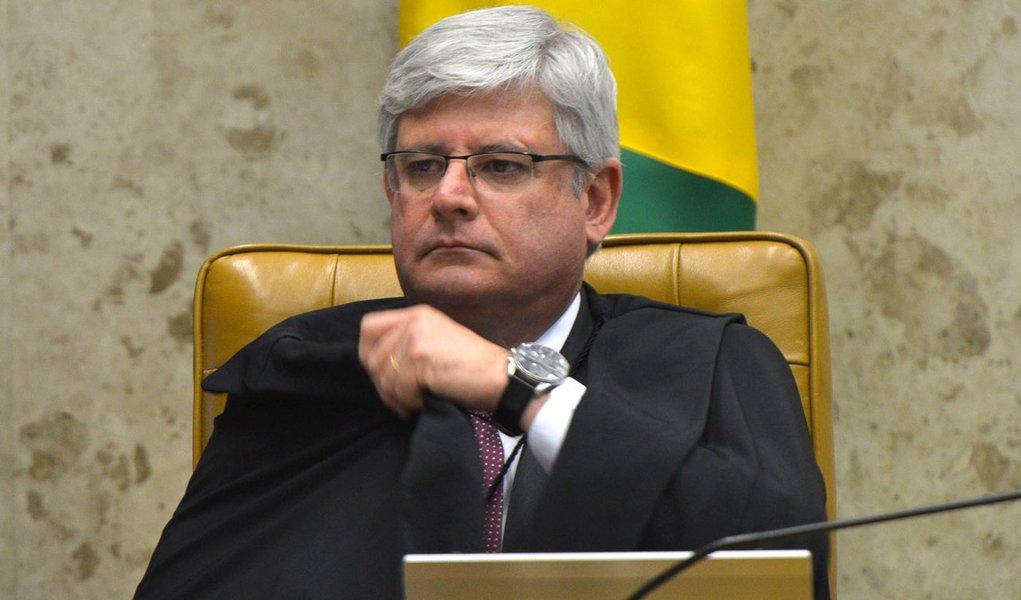 Brasília – O Supremo Tribunal Federal (STF) julga os novos recursos da Ação Penal 470, o processo do mensalão. Os ministros analisam os segundos embargos de declaração de dez réus. Na foto, o procurador-geral da República, Rodrigo Janot
