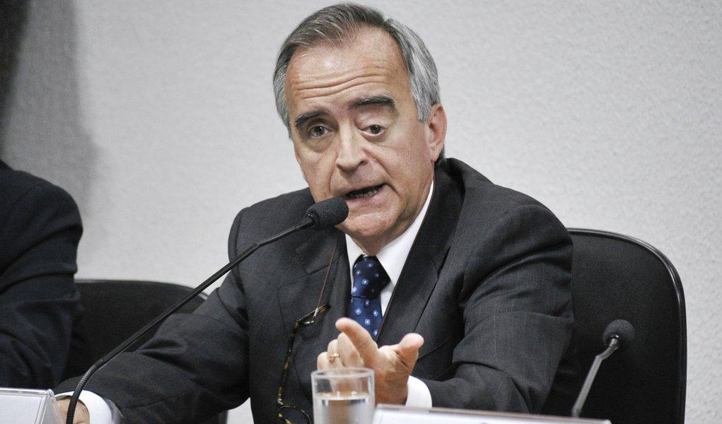 Nestor Cerveró, ex-diretor internacional da Petrobras, presta depoimento à Comissão Parlamentar de Inquérito (CPI) da Petrobras, que investiga denúncias de corrupção na empresa durante compra de refinaria em Pasadena, no Texas